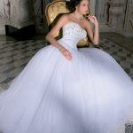 abiti da sposa velo campana