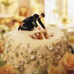 statuine per torte di matrimonio divertenti
