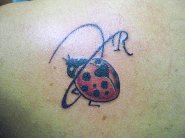 Tatuaggi lettere tatuaggi e piercing for Disegni piccoli per tatuaggi