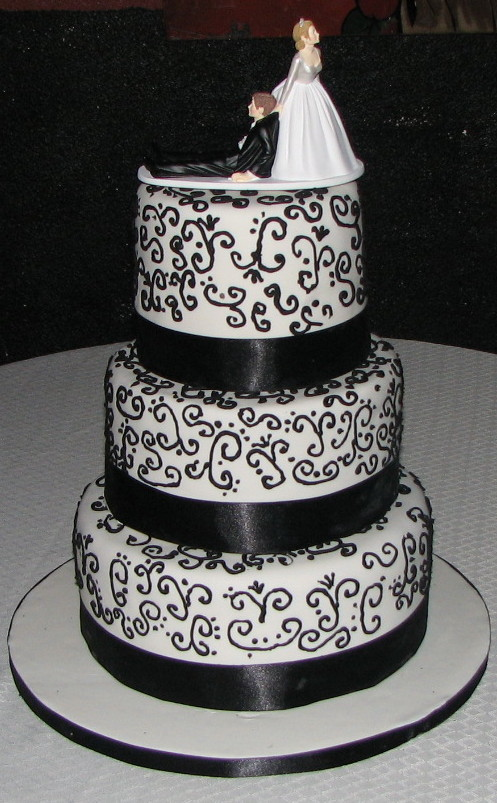 torta-nuziale-bianca-nera   Donnee.it