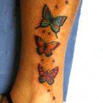 tatuaggi farfalle caviglia