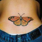 tatuaggi farfalle fondoschiena
