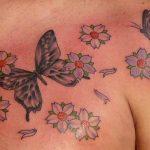 tatuaggi farfalle uomo