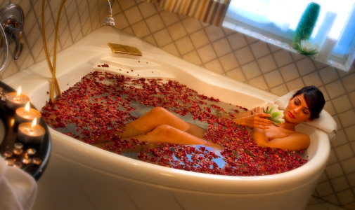 Come preparare un bagno rilassante  Benessere  Donnee.it